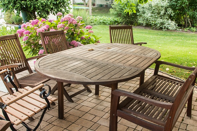 Revive your garden furniture: Tips, tricks, tools and much more